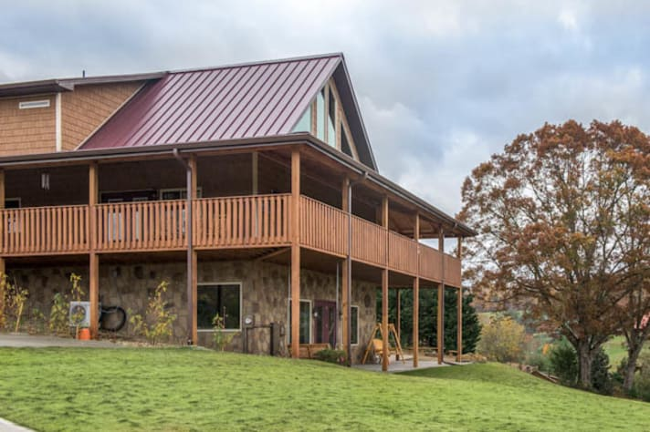 Pigeon Forge, Tennessee Chalet Rental - Gallery Image #3